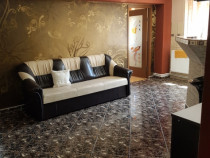 Apartament 4 camere liceu 2 moldoveni