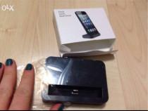 Base dock pt iphone5 sau 5s, pe negru