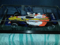 Macheta Renault F1 R27 scara 1:6 rasina sintetica! Raritate!
