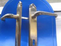 Shield aparatoare veche broasca alama stil Baroc.
