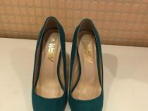 Pantofi turcuaz cu pietre