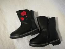 Ghete iarna fete imblanite 25 - 30 negre cu trandafir