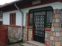Casa 3 camere si anexe in localitatea Rafov, sat Goga