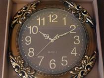 Ceas de perete clasic (maro)