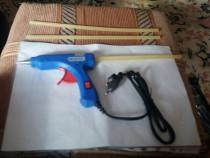 Pistol de lipit cu silicon