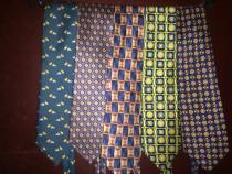 Cravate de firma