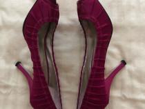 Pantofi cu toc Guess