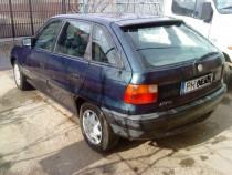 Opel Astra capota