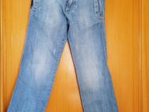 Calvin Klein jeans, masura 8