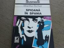 Carte Spioana in Spania de Marthe Rocher