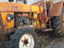 Dezmembrez tractor utb 650