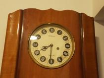 Ceas de perete functionabil cu pendula an 1960
