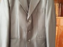 Costum bărbat , mărimea 50 , culoare gri închis