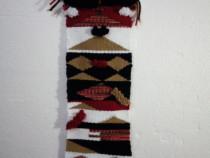 Țesătură Decorativă de Perete cu Motive Tradiționale