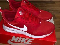 Adidasi Nike rosii