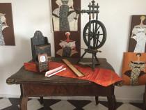 Instrument vechi de tors lana