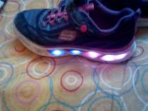 Adidasi sh cu lumini pentru copii nr 33 la pret afisat