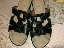 Papuci piele