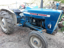 Tractor ford 2000