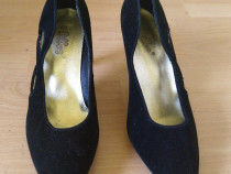 Pantofi de dama piele întoarsă 38