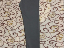 Pantaloni marca Zara