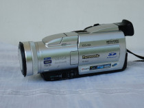 Camera video MiniDV si SD card Panasonic NV-MX8