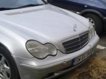 Mercedes C200,an 2002, motor 2.2 DIESEL, acte la zi