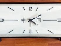 Ceas de masa cu sonerie si data - vintage