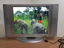 TV-Monitor incarcator 12v auto 43cm 17inch lcd televizor 19