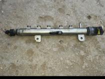 Rampă injectoare Opel Zafira B 1.9 CDTI