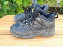 Ghete - Pantofi cu protectie cu bombeu mar. 39