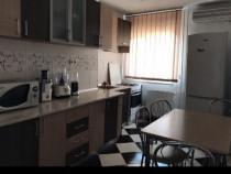 Apartament 3 camere/Et3/  str Cosminului Rogerius