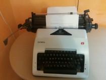 Masina veche de scris olympia,perfect functionala
