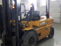 Stivuitor Caterpillar, diesel. 4 tone