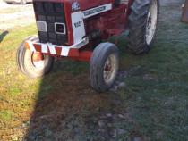 Tractor internațional 654