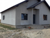 Casa 3 dormitoare in Santandrei platibila pe etape