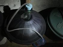 3 damigene cu înveliș de plastic de 50 litri pline