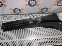Grila stergatoare partea dreapta Vw Golf 5 Plus 2010 2.0 TDI