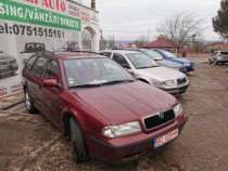 Skoda Octavia 1.6 Benzin-break-clima-Finantare rate