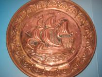 4617-Aplica veche Corabie in bronz, diametrul 25 cm.