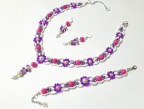 Set floral handmade din margele mov , ciclam si alb