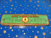 B442-I-Cutie ace gramofon-patefon veche diverse calibre Germ