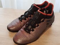 Papuci Adidas cu crampoane