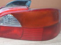 Lampa stanga,dreapta toyota avensis an 2002 in stare buna