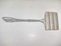 7414-Cleste paleta veche din metal alama sau alpaca argintat