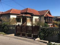 Casa si teren Campulung- 3001120