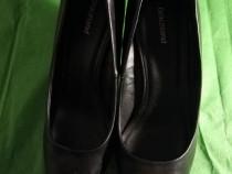 Pantofi marimea 37 aproape noi