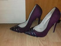 Pantofi stiletto-Botinelli