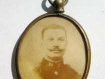 B746-Medalion vechi-Foto Militar cu Femeie primul razboi.