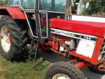 Tractor Case International 744